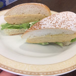 サンドイッチのタナカ - リクエストで厚焼玉子サンド作って下さいました! レギュラーメニューなのか即興で作って下さったのか不明のまま(^^;