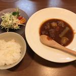 美味in家しげ - ビーフシチューとカニクリームコロッケ定食(ビーフシチュー、カニサラダ、ご飯)