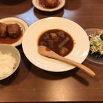 美味in家しげ - ビーフシチューとカニクリームコロッケ定食