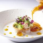 銀座 レカン - 料理写真:海幸とマンゴーのバヴァロワ 夏のミニリーフ菜園のロンドとエッセンス ブイヤベース