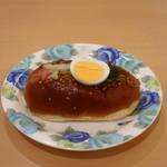 シャンボール - 料理写真:お月見 やきそばパン