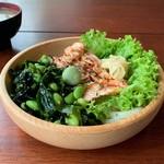 109153959 - ベイクド明太子サーモン・うどん・枝豆&ワカメ