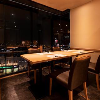 夜景個室で接待をはじめご家族の記念日やお祝いの会食