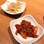 炭火焼肉・韓国料理 KollaBo - 【ランチタイムに付いてくるおかず】