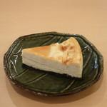 ABC 肉とワインのおいしい店 - ABCチーズケーキ