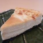 ABC 肉とワインのおいしい店 - ABCチーズケーキアップ