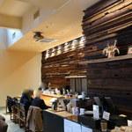 KAPPABASHI COFFEE & BAR - カウンター席。こちらも以前のまま。