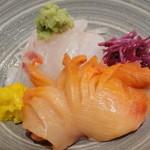 10916606 - 鯛と赤貝の刺身