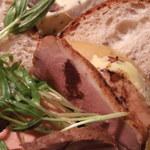 ル ボン マルシェ - フォアグラと鴨肉の燻製
