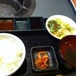 10916867 - ランチのご飯セット♪ご飯とサラダはおかわり無料