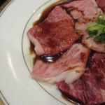 肉料理 阿蘇 - カルビはタレが掛かってます