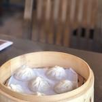 台湾料理 鼎 - セットの小籠包