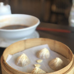 台湾料理 鼎 - 追加のホタテ入り小籠包