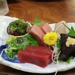 桂城 - マグロ刺身とクジラ刺身の盛り合わせてくれました☆ 2019-0605訪問