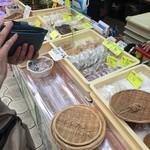 牧志そば - 市場周辺では買い食いが楽しい(笑)