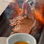 仙台牛焼肉 と文字 - 料理写真:料理写真