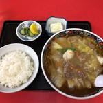 東京飯店 - 料理写真:肉そば 950円 + ライス 200円