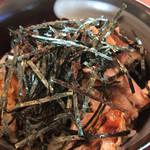 田中製麺 - ミニチャーシュー丼 ピリ辛です