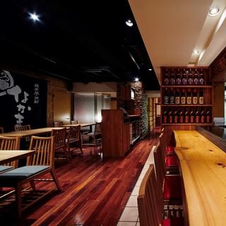 和食に合う落ち着いた雰囲気の店内