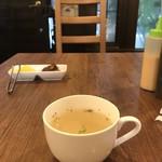 洋食ますだ - まず、オニオンコンソメスープ登場(2019.6.7)