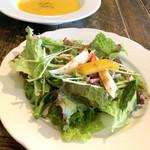 マルゲリータパリアッチョ - ランチのサラダ