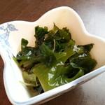 美代寿司 - 海藻サラダ