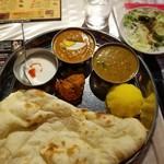 インド・ネパール創作料理 スリスティ -