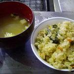 かき焼 かまくら まるふ - カキご飯と豆腐のお味噌汁もお代わり可