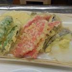 酒房 半田屋 - 野菜の天ぷら盛り合わせ450円