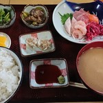 むらかみ食堂  - 料理写真:刺し身定食 1,000円