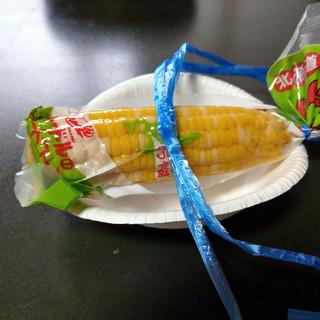 総本家 栃泉 - 料理写真:茹であがったトウモロコシ~☆