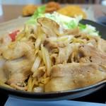 Kashiwaya - 生姜焼きは豚バラ肉使用