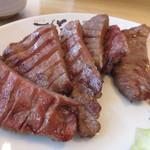 牛たん炭焼き 利久 - 豪州と米国産の牛たんを使用