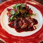 トラットリアビコローレヨコハマ - 料理写真:平牧三元豚のロースト 粒マスタードの赤ワインソース