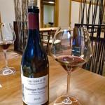 酒の宿 玉城屋 - 「アスパラガスのソテー オランデーズソース」に合わせた赤ワイン
