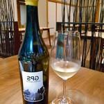 酒の宿 玉城屋 - 「馬面剥の肝ソース」に合わせた白ワイン