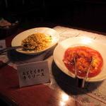中華バイキング マーチャン家 - 高菜入り炒飯、エビとイカのチリソース