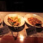 中華バイキング マーチャン家 - 鶏肉の特製ソース、麻婆豆腐