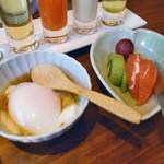 酒の宿 玉城屋 - 温泉卵 & フルーツ