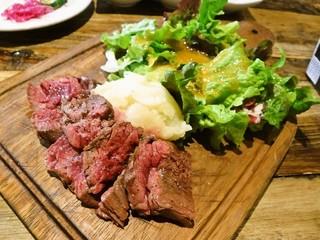 ステーキとワインの肉バル BAROCCS 熊本上通店 - ハラミ