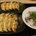 餃子楼おとど餃子食堂 - 餃子3人前+しそご飯 550円