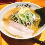 利尻らーめん味楽 - 料理写真:焼き塩らーめん(900円)