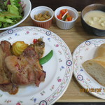 木こり亭 - スペアリブセット(パン・前菜・サラダ・スープ・デザート3種盛り付き)※ドリンクおかわりOK(14時まで)