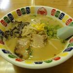 中華日の出 - 料理写真:とんこつラーメン
