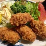 蛇の目寿司 - 広島産の牡蠣が4個