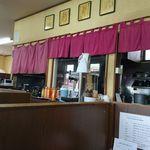 麺屋八代 - 厨房側