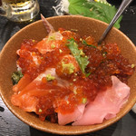 UO魚 KOBE海鮮酒場 - サーモンとイクラの丼
