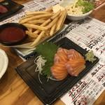 地魚屋台とっつぁん - ポテトフライ サーモン