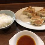 ぎょうざの店 黄楊 - 料理写真:ごはん小&餃子1人前