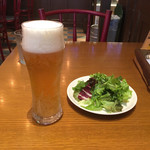 トラットリア・アリオリ - ビールとショボいサラダ